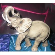 Статуэтка Трубящий слон